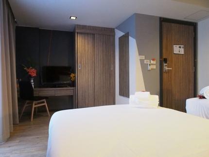 โรงแรมเอชทู สาทร