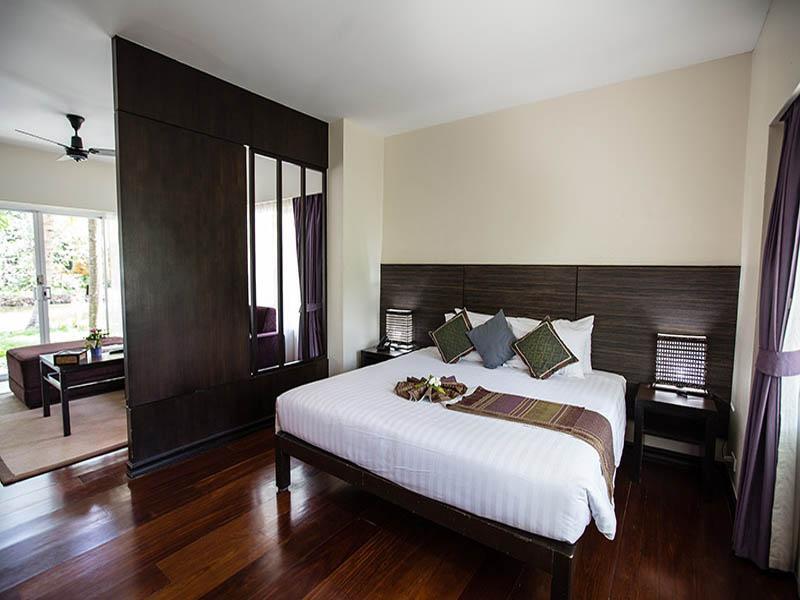 Baan Amphawa Resort