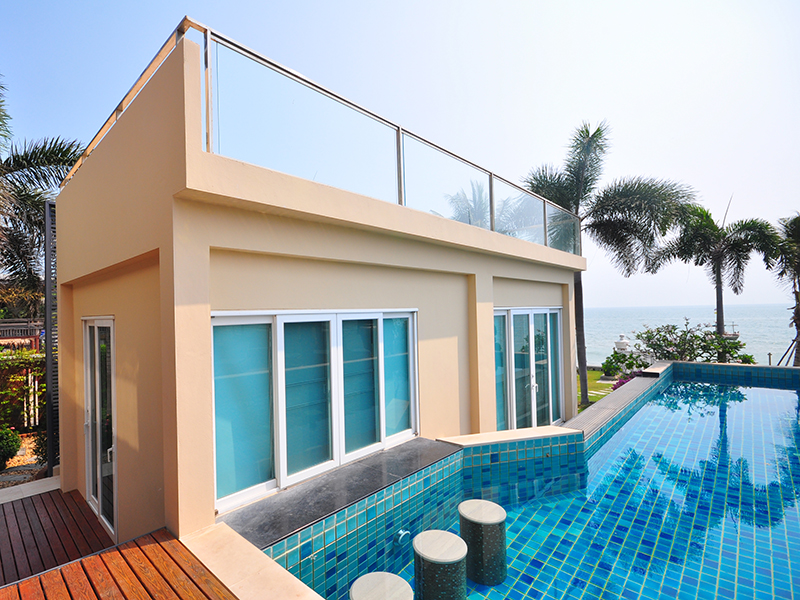 Star Pool Villa Beachfront