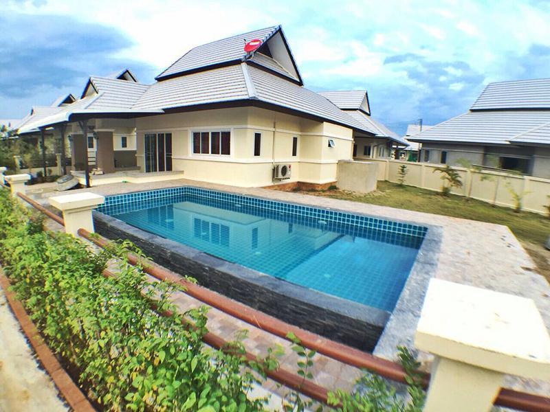 Emerald Villa De Pool Hua Hin
