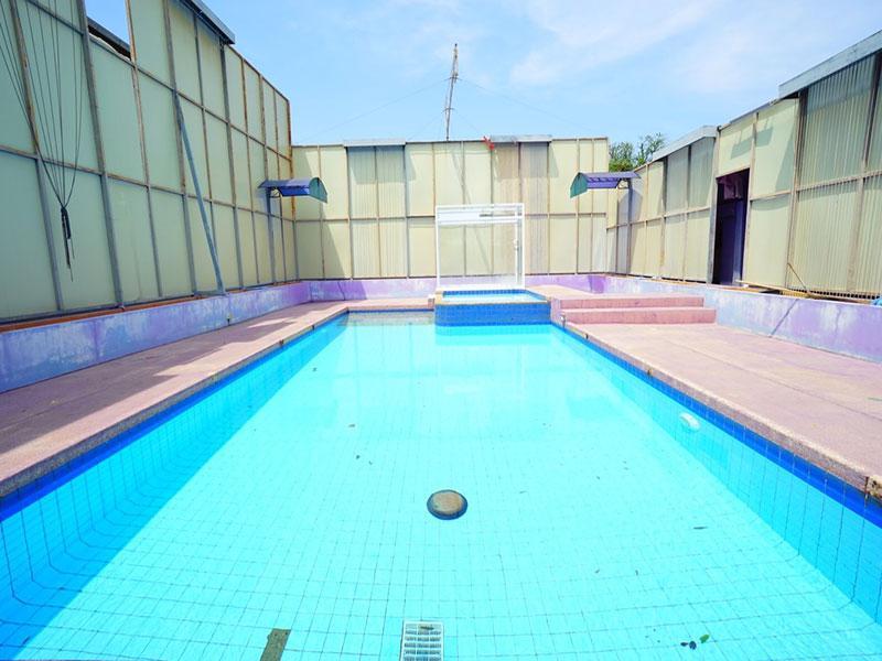 Baan Dek Naew Pool Villa