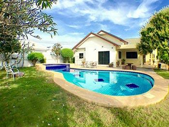 Baan Srimontra Pool Villa