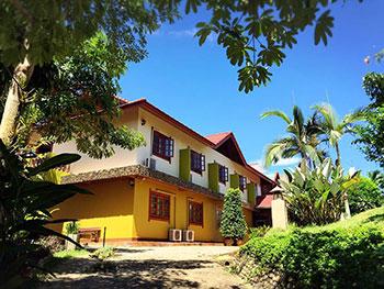 Chomphu Phukha Resort