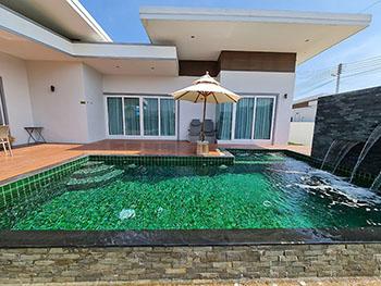 Jira Pool villa