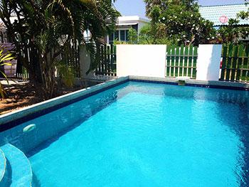 班普拉湾泳池别墅