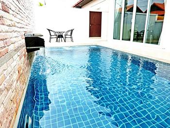Villa De Luis Pattaya