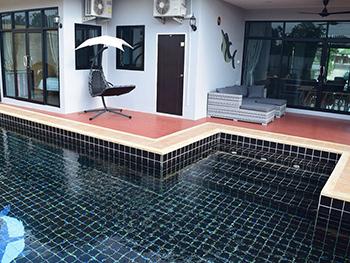 Snow White Pool Villa