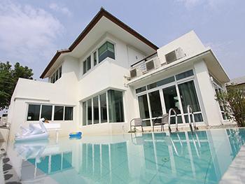 Poppy Pool Villa