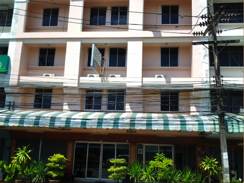 Hotels Nearby Thepparat Lodge