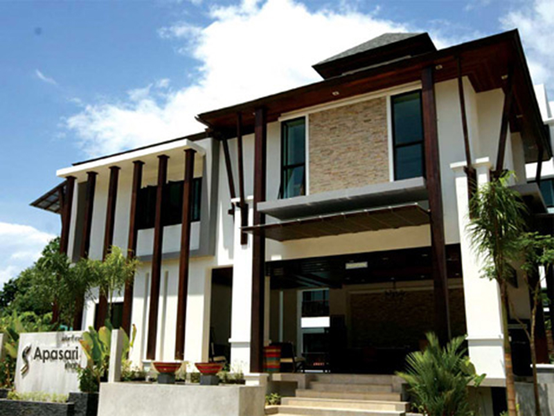 Hotels Nearby Apasari Resort