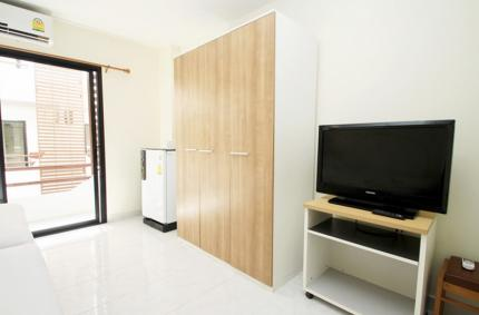 Star 3 Serviced Apartment