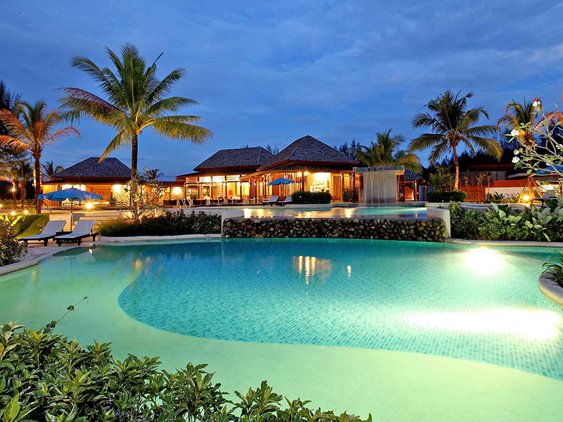 Apsaras Beachfront Resort & Villa