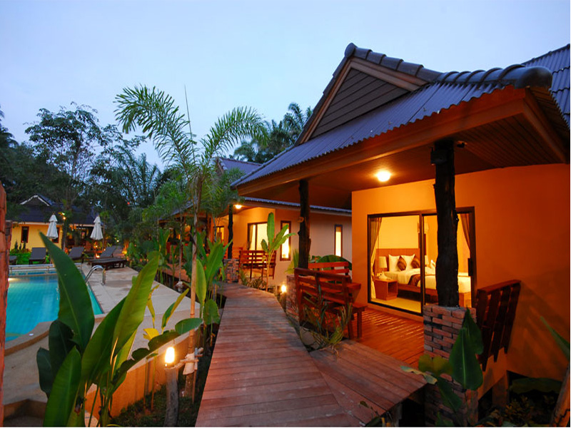 Hotels Nearby Sunda Resort