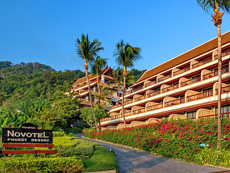 Hotels Nearby Novotel Beach