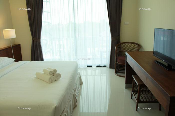 Hotels Nearby Baan Nilrath Hotel