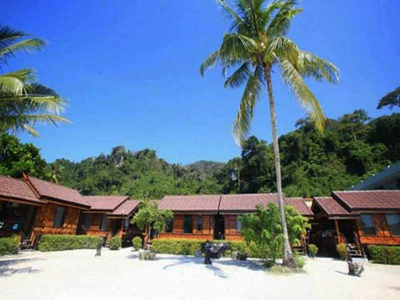 Phi Phi Sandsea View Resort
