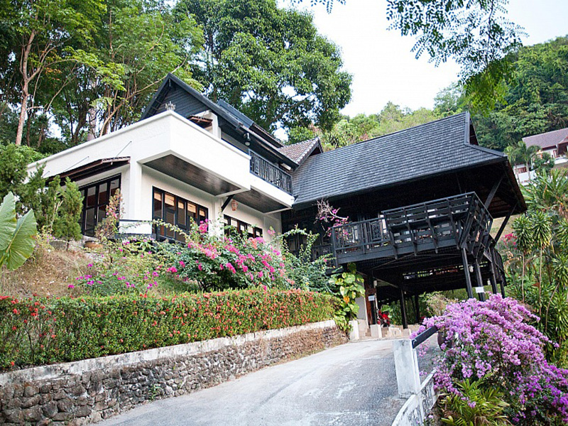 近くのホテル Patong Hill Estate 3