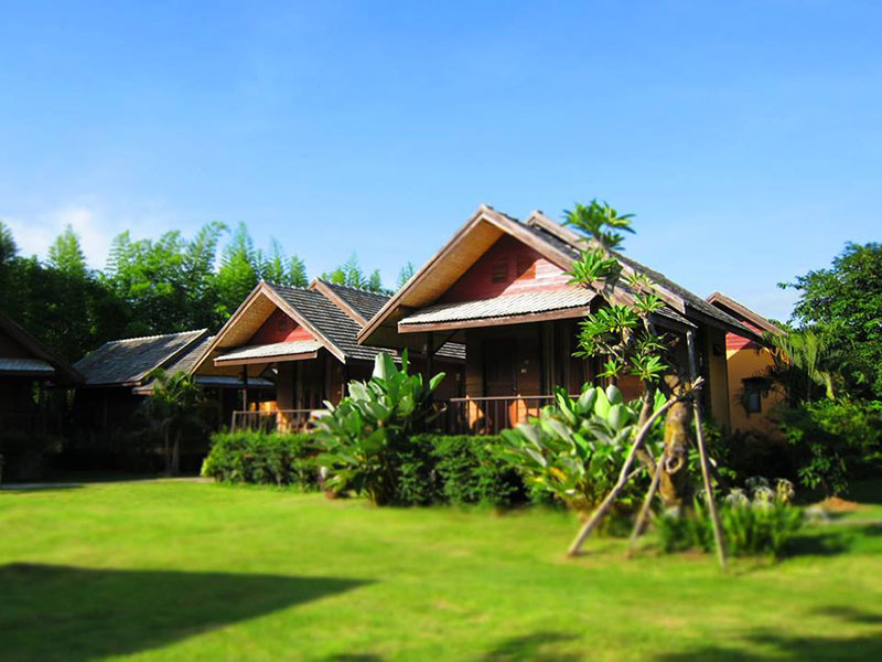 Hotels Nearby Pai Do See