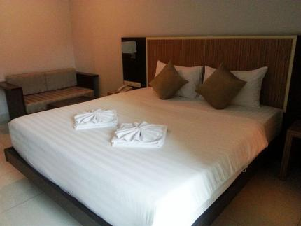 April Suites Pattaya
