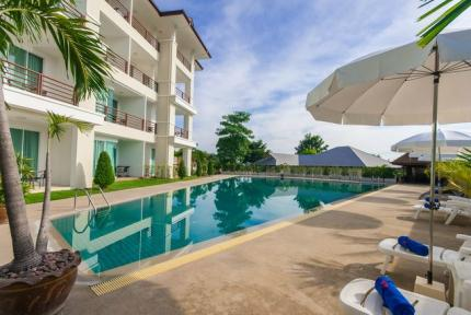 Taipan Resort and Condominium