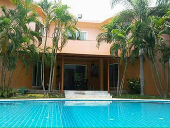 Fint Pool Villa Pattaya