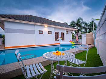 Supa B Pool Villa