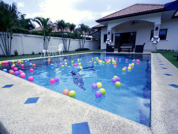 The Sunshine Pool Villa