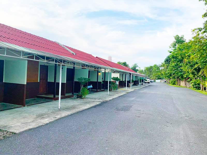Long Lae Resort