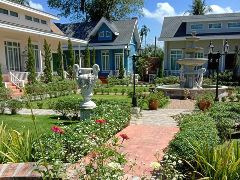 Baroque Le Cafe and Boutique Resort