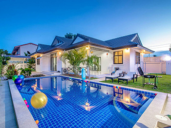 Choovy Pool Villa