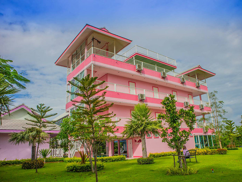 Hotels Nearby Napasawan Resort
