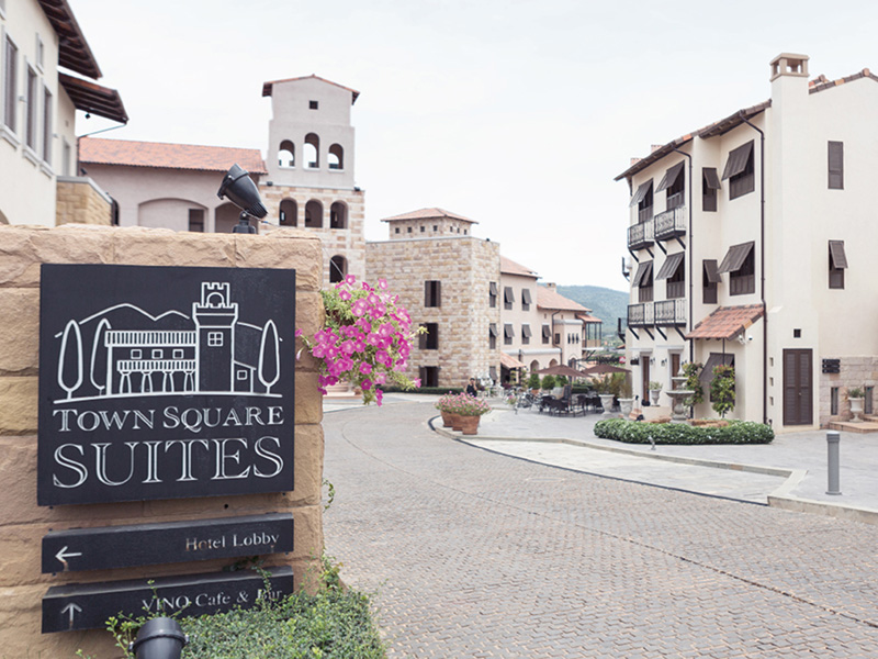 Image Hotel Town Square Suites By Toscana Valley