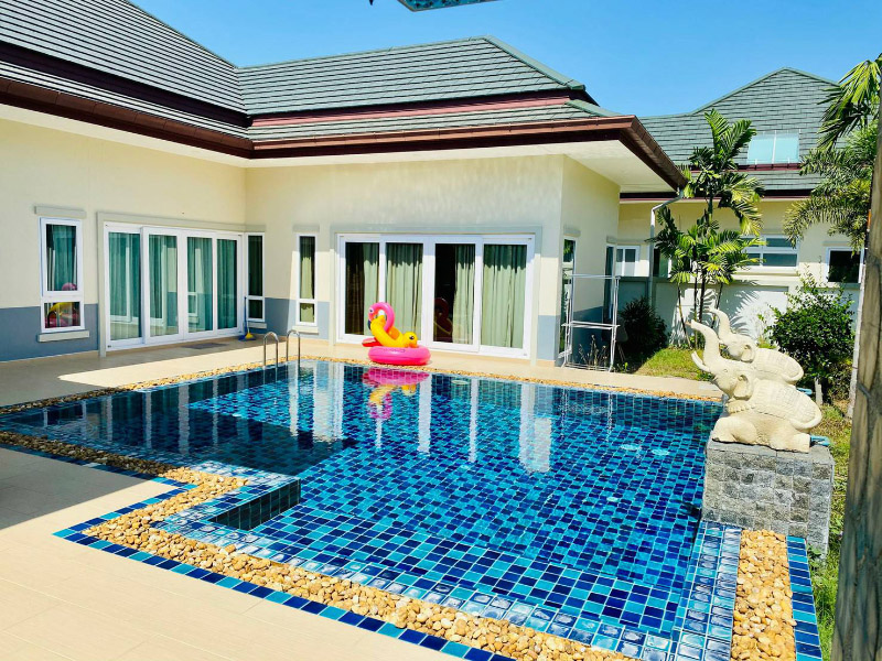 Mintra Pool Villa D Pattaya