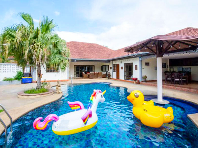 Alis Pool Villa